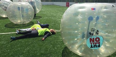 stressmanagemenet-with-bubble-football-budapest-1