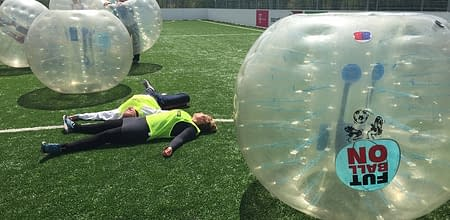 stressmanagemenet-with-bubble-football-budapest-1